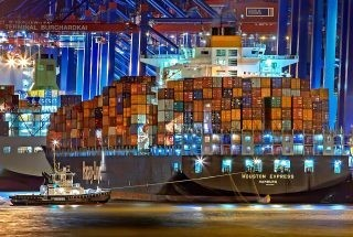 COVID-19: Hapag-Lloyd Adds 100,000 TEU of Capacity to Keep Goods Moving